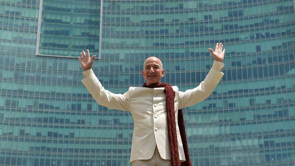 Американский предприниматель. Глава и основатель интернет-компании Amazon.com Джефф Безос