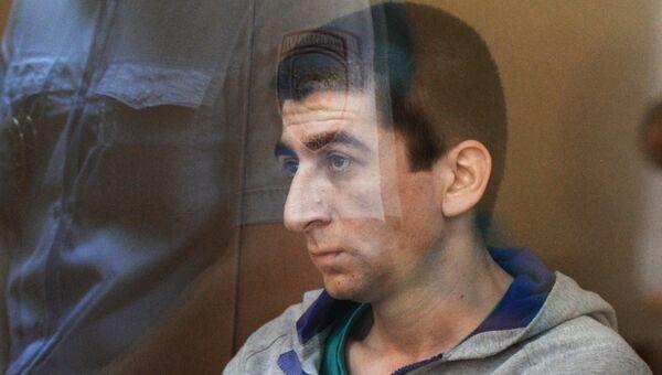 Водитель Дени Мирзоев, сбивший мотоциклиста на Кутузовском проспекте, во время предварительного слушания дела в Дорогомиловском суде Москвы
