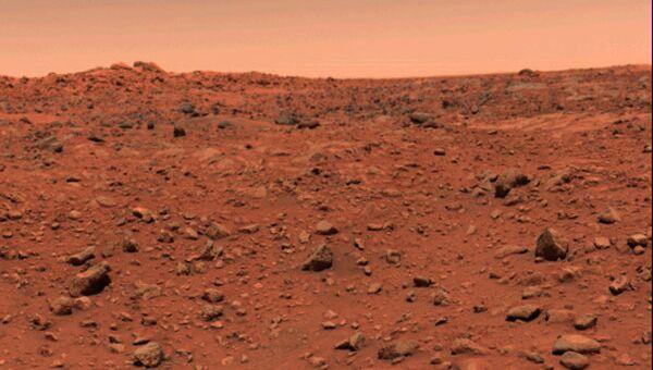 Фото поверхности Марса, переданное спускаемым космическим аппаратом Викинг. Архивное фото