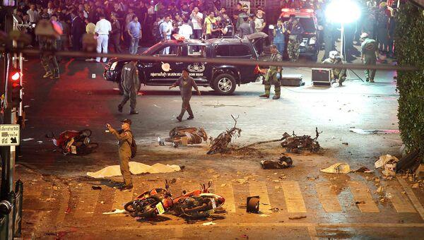 На месте взрыва в туристическом центре Бангкока. Август 2015