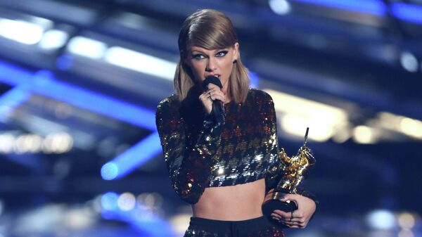 Певица Тейлор Свифт на церемонии вручения премии MTV Video Music Awards