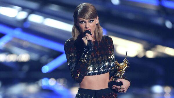 Певица Тейлор Свифт на церемонии вручения премии MTV Video Music Awards. Архивное фото