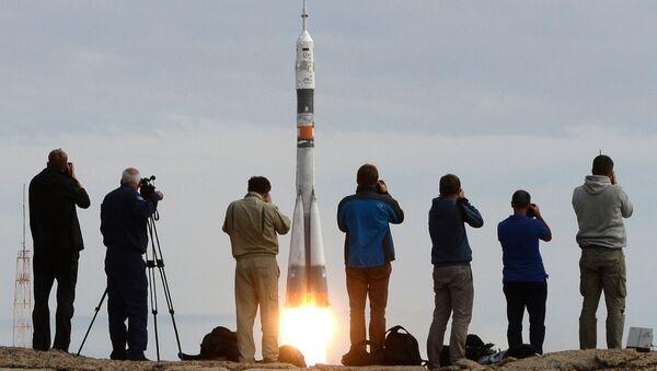 Старт космического корабля Союз ТМА-18М с экипажем 45/46-й длительной экспедиции на МКС с космодрома Байконур