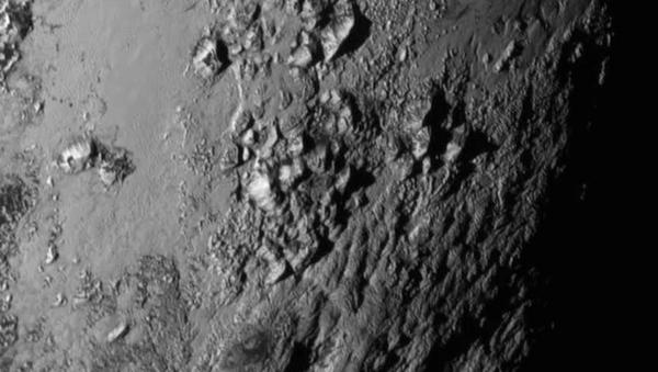Космический корабль НАСА New Horizons получил изображение Плутона