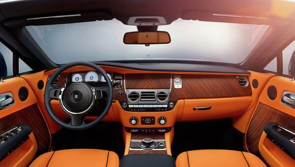 Новая модель Rolls-Royce кабриолет Dawn. Архивное фото