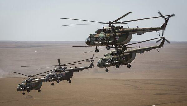 Военно-транспортный вертолет Ми-8. Архивное фото