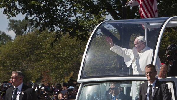 Папа римский Франциск во время своего первого апостольского визита в США в городе Вашингтоне