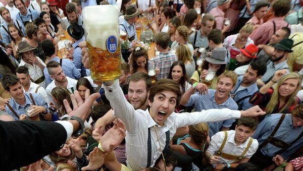 Фестиваль пива Октоберфест. Архивное фото