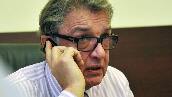 Пресс-секретарь Управления делами президента РФ Виктор Хреков во время интервью журналистам. Архивное фото