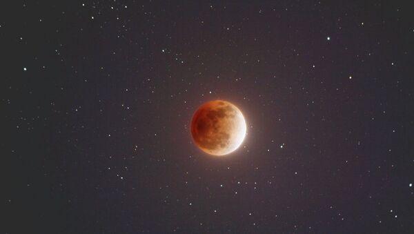 Кровавая Луна в ночь с воскресенья на понедельник
