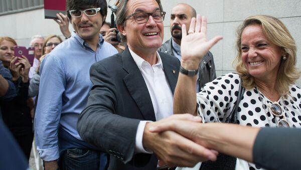 Председатель правительства Каталонии, кандидат от партии Junts pel Si (Вместе за Да) Артур Мас