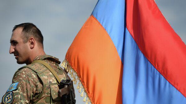 Военнослужащий подразделения Вооруженных сил Армении. Архивное фото
