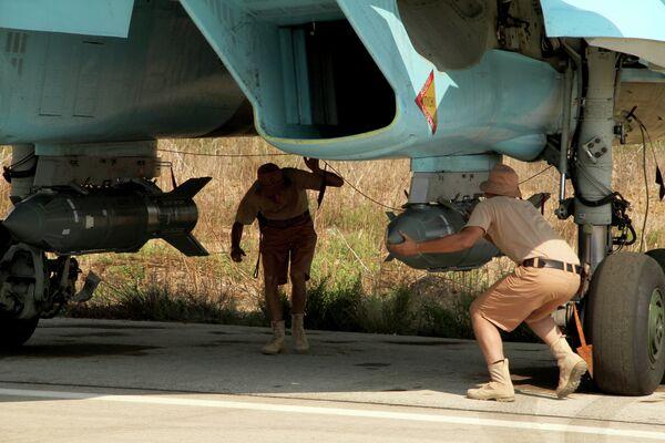 Российские самолеты на базе Хмеймим в Сирии