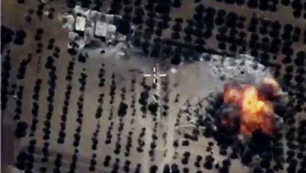 Бомбардировщики Су-24М Воздушно-космических сил РФ нанесли точечные авиационные удары. Архивное фото