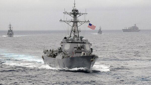 Ракетный эсминец Лассен ВМС США в Тихом океане. Фото 2009 года