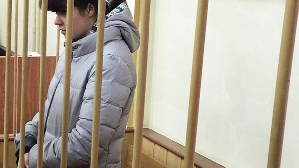 Студентка МГУ Варвара Караулова в зале заседаний Лефортовского суда Москвы. Октябрь 2015