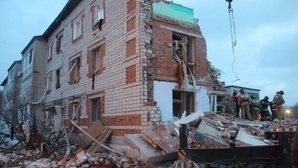 На месте взрыва газа в доме в поселке Корфовский в Хабаровском крае