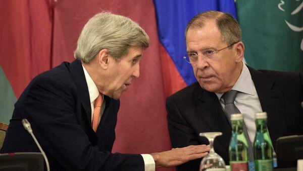 Госсекретарь США Джон Керри и глава МИД РФ Сергей Лавров на встрече по сирийскому урегулированию в Вене, Австрия. 30 октября 2015
