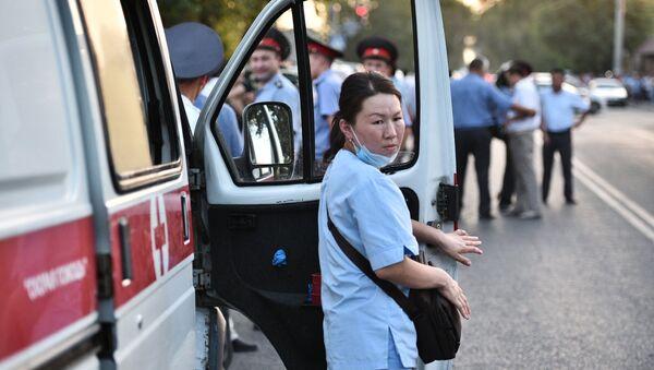 Сотрудница медицинской помощи в Бишкеке. Архивное фото