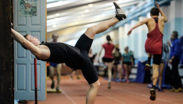 Занятия лёгкой атлетикой. Архивное фото