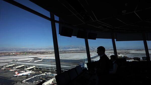 Диспетчер в аэропорту Софии. Архивное фото