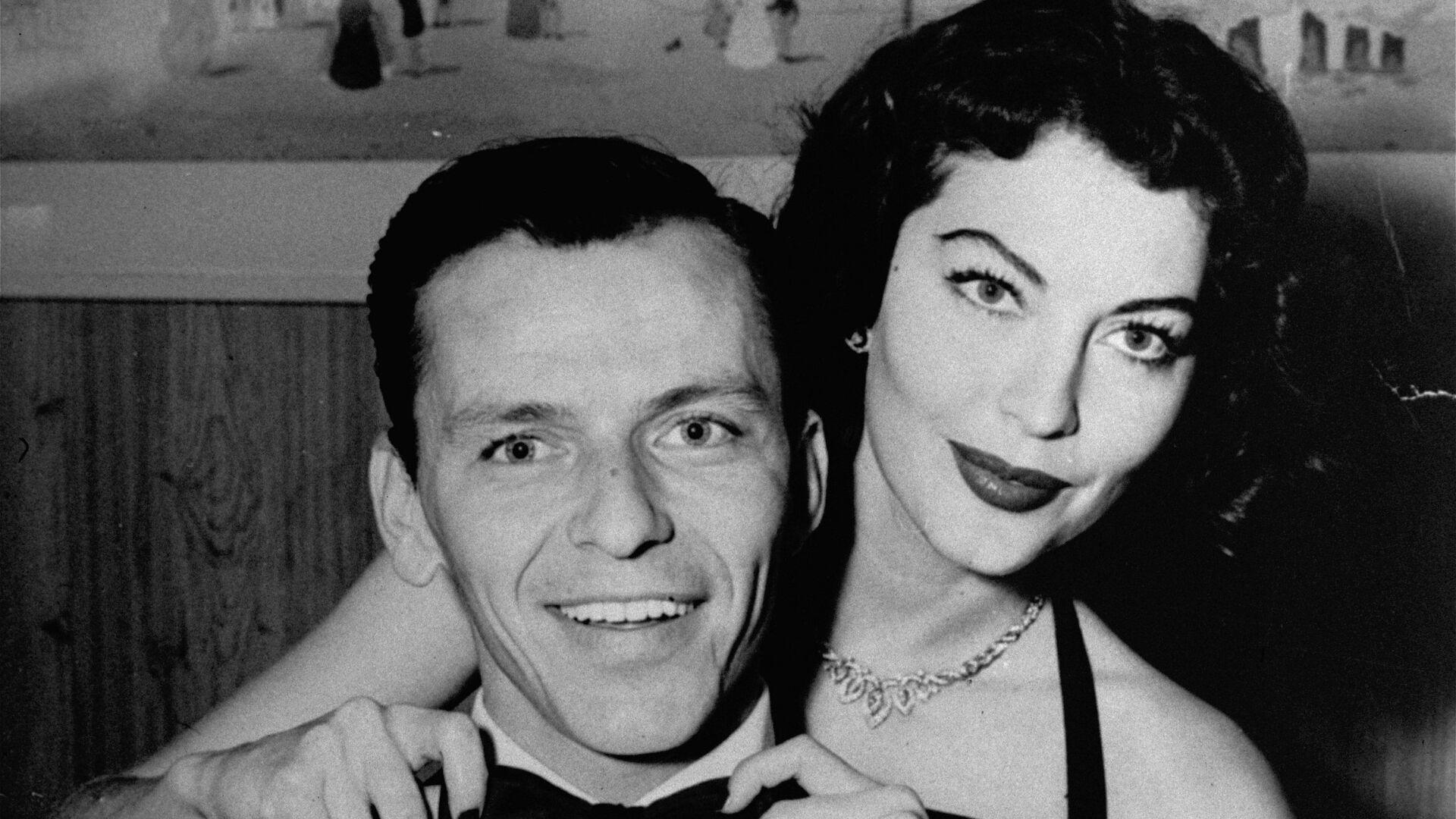 Американский певец и актер Фрэнк Синатра с женой актрисой Авой Гарднер - РИА Новости, 1920, 12.12.2015