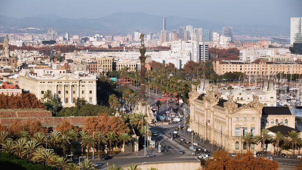 Центр города и памятник Христофору Колумбу в Барселоне. Архивное фото