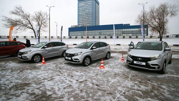 Автомобили новой модели АвтоВАЗа LADA X-Ray в Самаре. Архивное фото