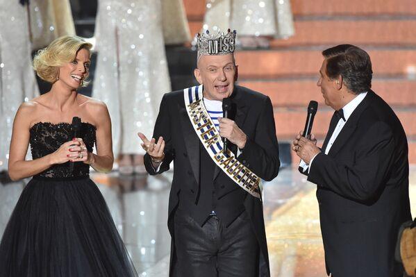 Французский дизайнер Жан-Поль Готье на сцене конкурса Мисс Франция-2016