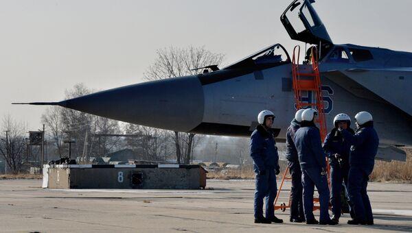 Авиаполк в Приморье получил три модернизированных самолета МиГ-31 БМ. Архивное фото