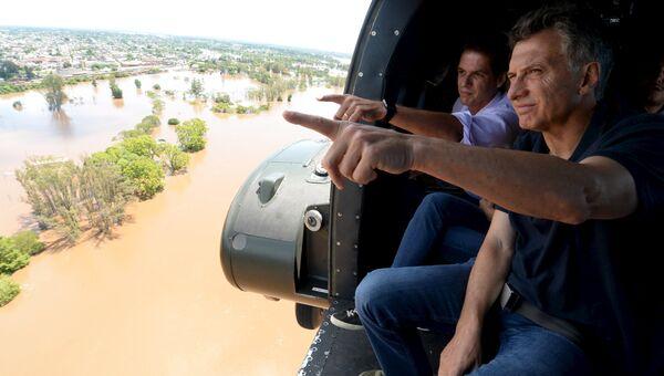 Президент Аргентины Маурисио Макри посетил пострадавший от наводнения город Конкордия