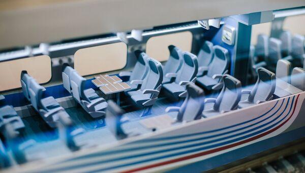 Макет скоростного поезда Аллегро (Pendolino Sm6) в передвижном выставочно-лекционном комплексе РЖД в Иваново