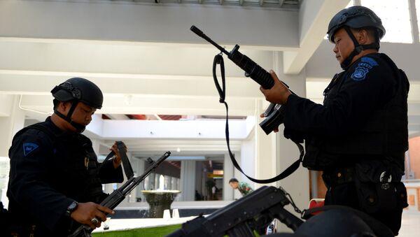 Сотрудники правоохранительных органов Индонезии. Архивное фото