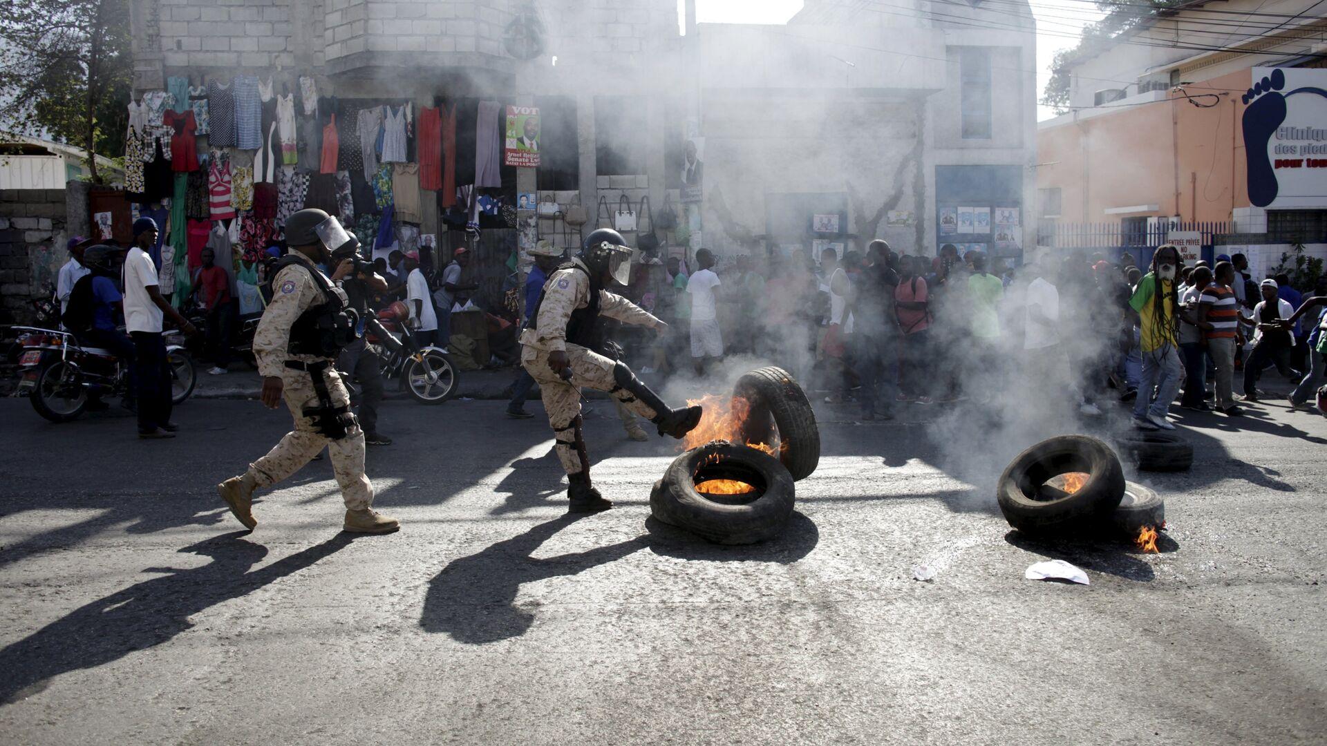 Беспорядки в Порт-о-Пренс, Гаити - РИА Новости, 1920, 07.02.2021