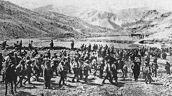 Русская армия вступает в город Трапезунд на территории турецкой Армении. 1916 г