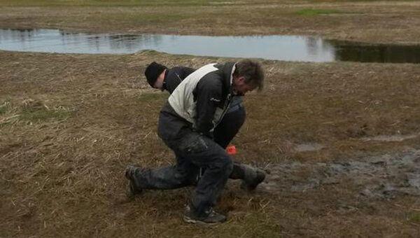 Ученые собирают пробы береговых отложений на Ньюфаундленде