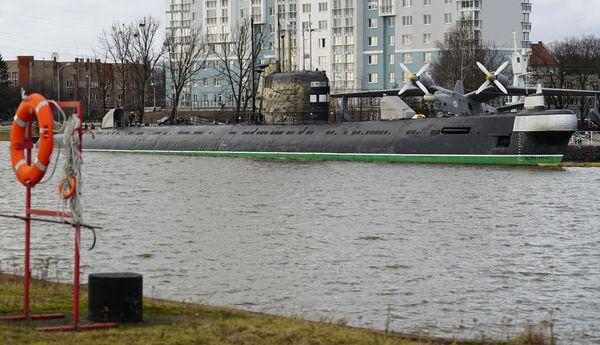 Подводная лодка Б-413 проекта 641 на набережной Петра Великого - экспонат Музея Мирового океана в Калининграде