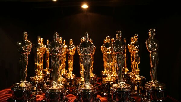Статуэтки Оскар во время церемонии вручения премии в 2015