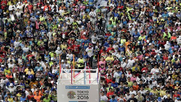 Участники Токийского марафона, 28 февраля 2016 года