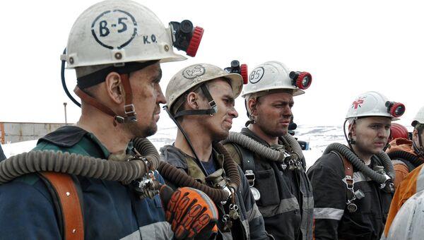 Горноспасатели у шахты Северная в Воркуте. Архивное фото
