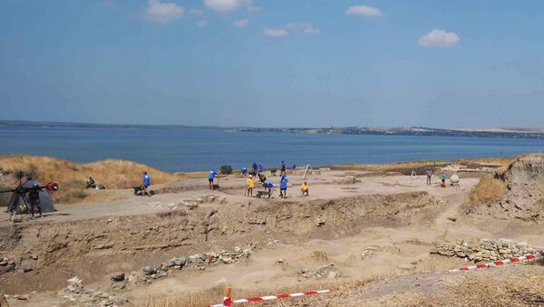 Археологические раскопки на Таманском полуострове. Архивное фото