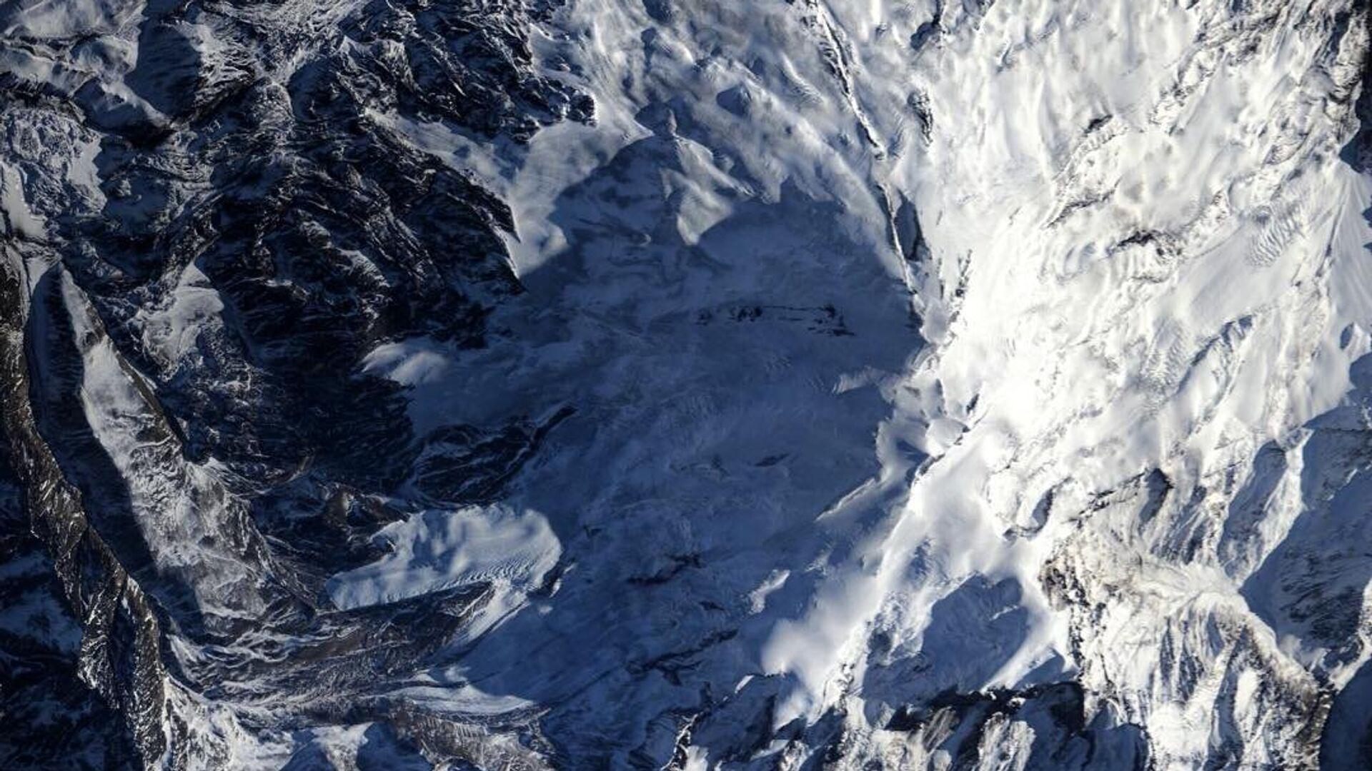 СК начал проверку после гибели трех альпинистов на Эльбрусе
