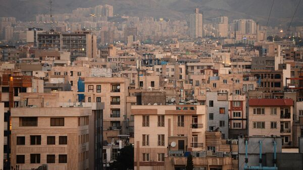 Вид на один из кварталов Тегерана. Архивное фото