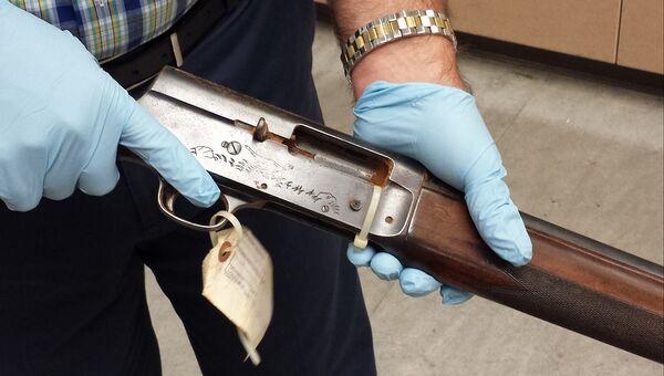 Ружье, из которого застрелился лидер рок-группы Nirvana Курт Кобейн. Опубликовано полицией в марте 2016 года