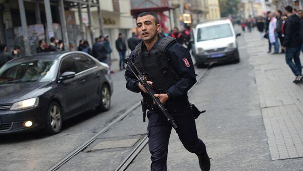 Сотрудник турецкой полиции. Архивное фото