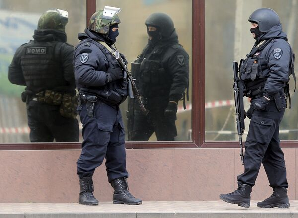Полиция у здания суда, во время доставки в суд гражданки Украины Надежды Савченко. 21 марта 2016