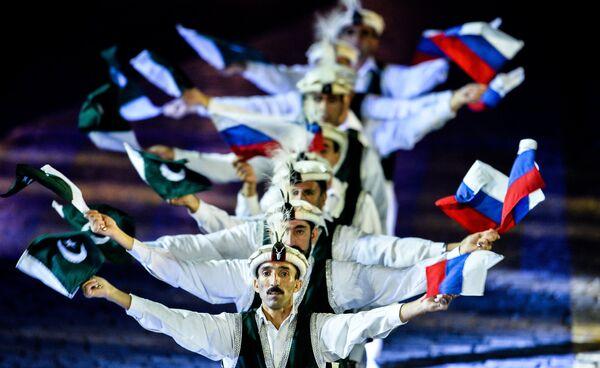 Оркестр Вооруженных сил Пакистана на церемонии закрытия Международного военно-музыкального фестиваля Спасская башня в Москве