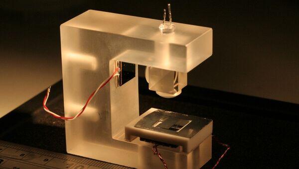 Прототип карманного детектора скрытых пустот в грунте