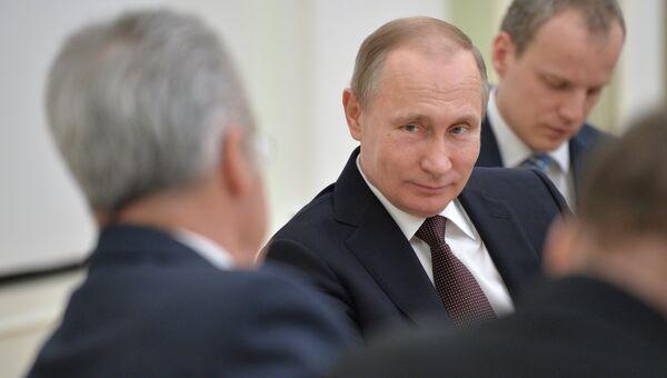 Президент РФ В. Путин встретился с президентом Австрии Х. Фишером