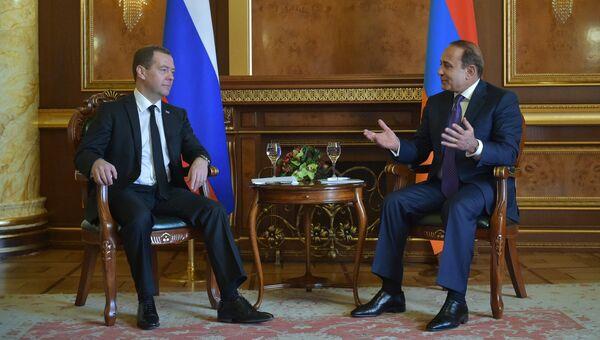 Официальный визит премьер-министра РФ Д. Медведева в Армению